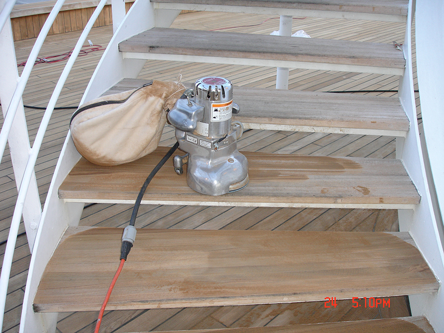 wood-staircase-installation-3